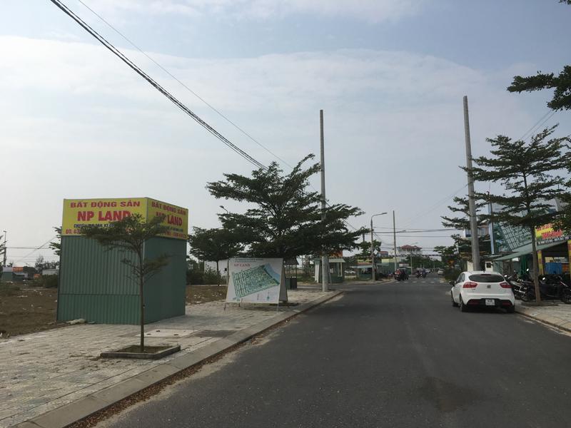 """Quảng Nam """"dẹp"""" kiốt bất động sản trái phép"""